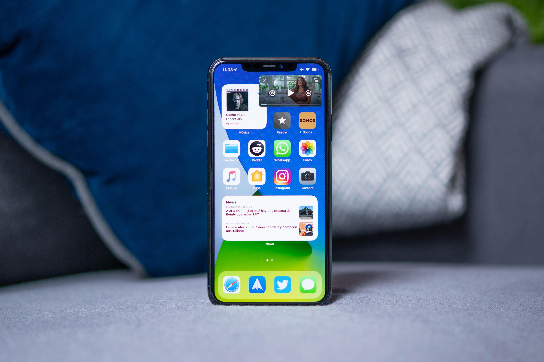 apple-iphone-se-1403