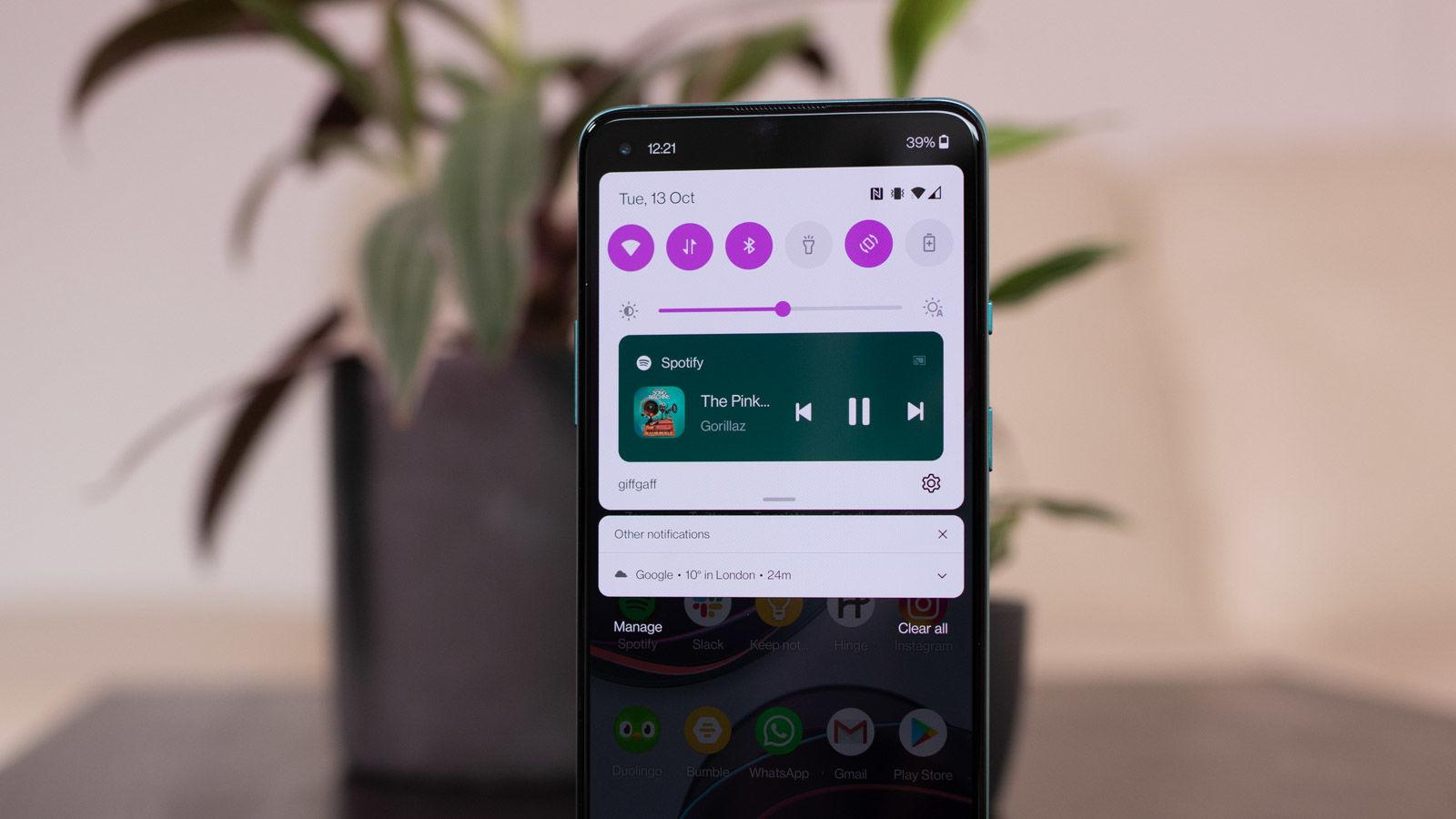 OnePlus 8T Android 11