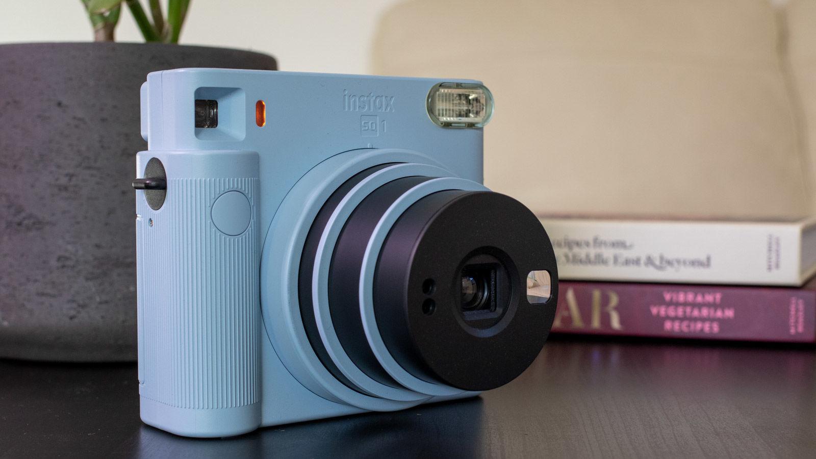 Instax Square SQ6 lens