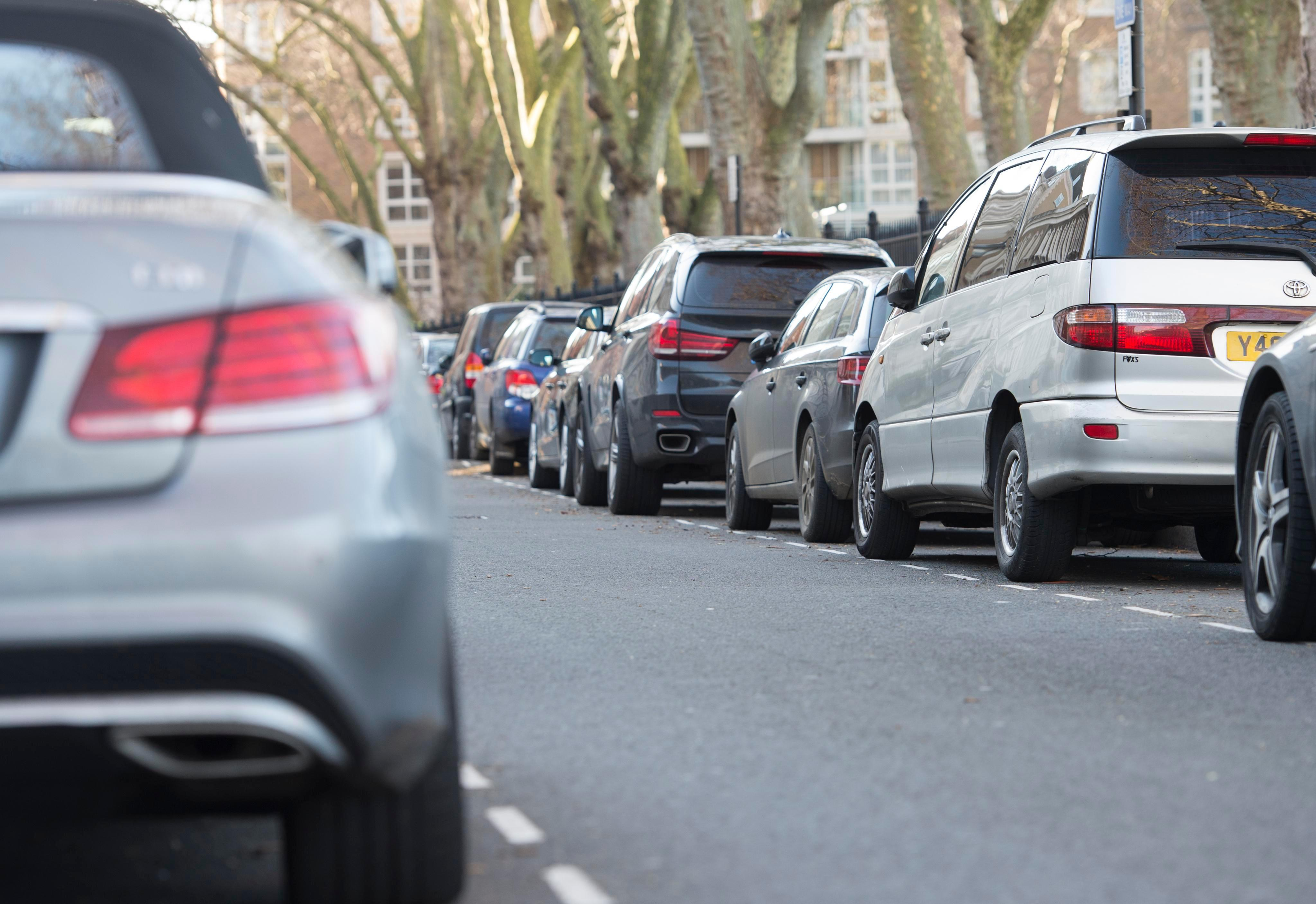 Drivers who park uninsured cars on the street could get fined £2,500