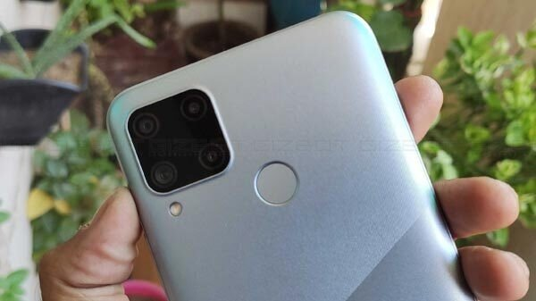 New Realme Smartphone Appears On FCC Listing