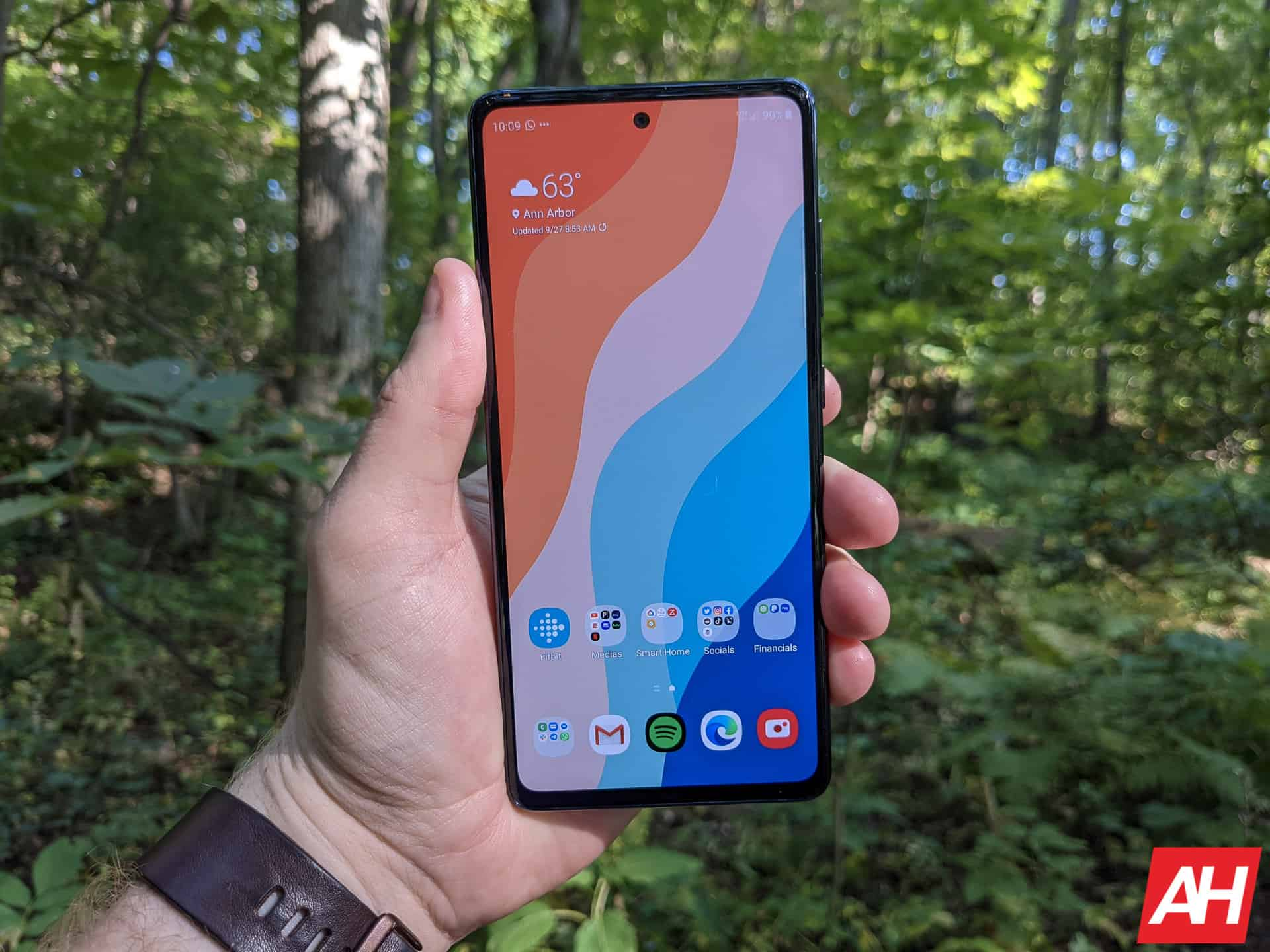 Samsung Galaxy S20 FE Review AM AH 10