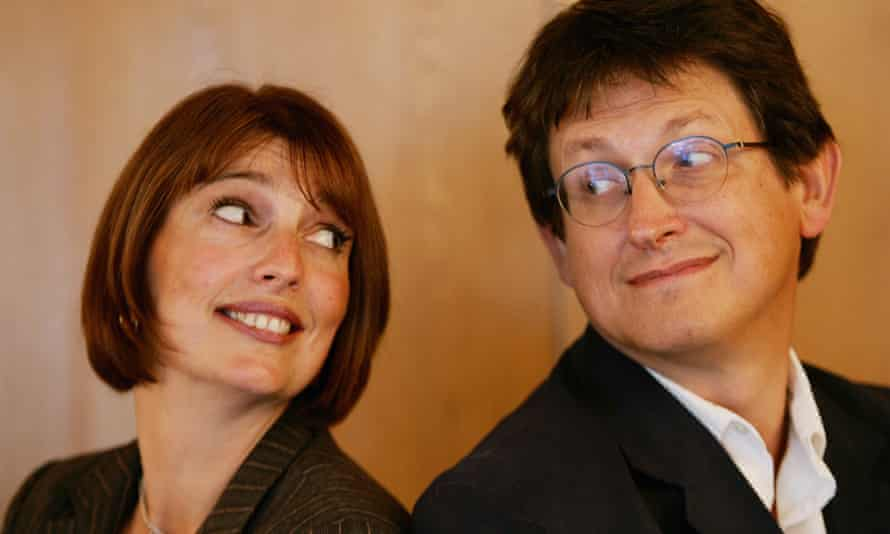 Carolyn McCall and Alan Rusbridger in 2005