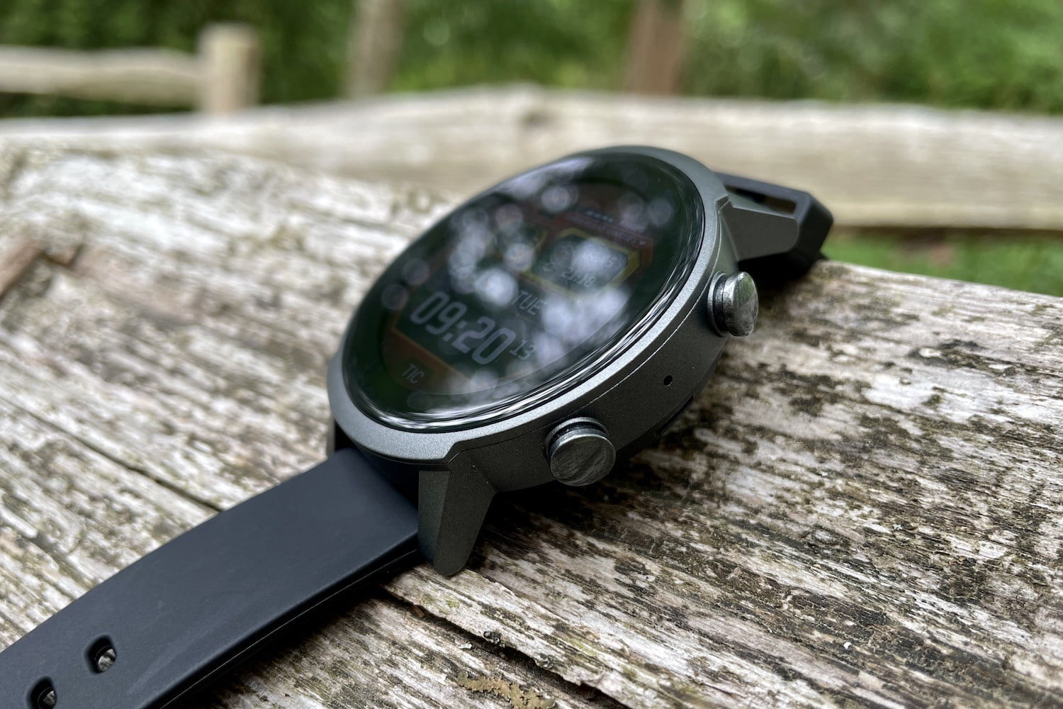 TicWatch E3 seen from the side