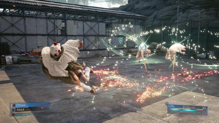 Yuffie battles an enemy in Final Fantasy VII Remake Intergrade.