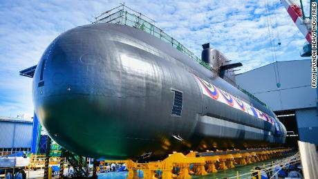 The South Korean Navy's new 3000-ton-class submarine is to be launched on Tuesday.