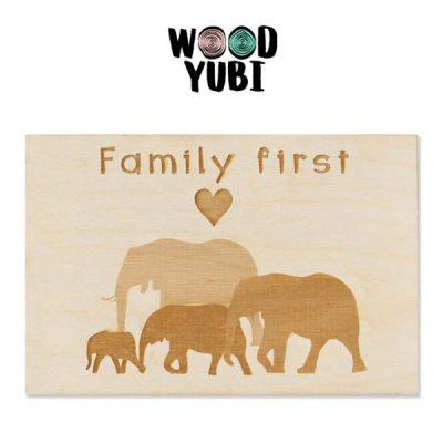 Wenskaart Family First
