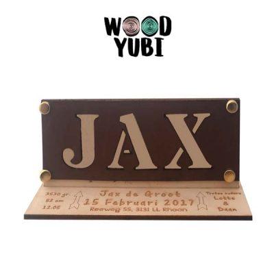 Houten geboortekaartje Jax