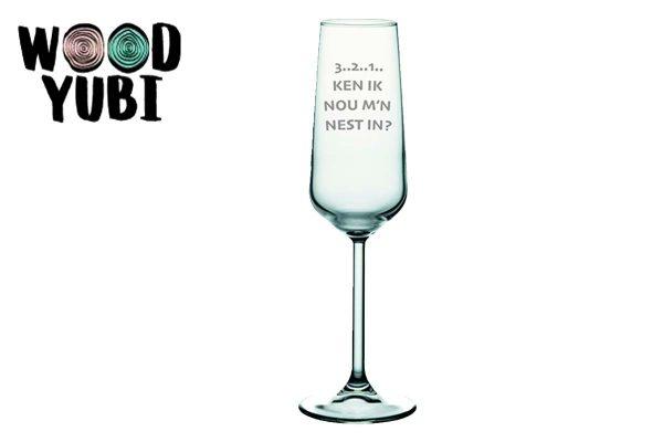 Champagneglas 3 2 1