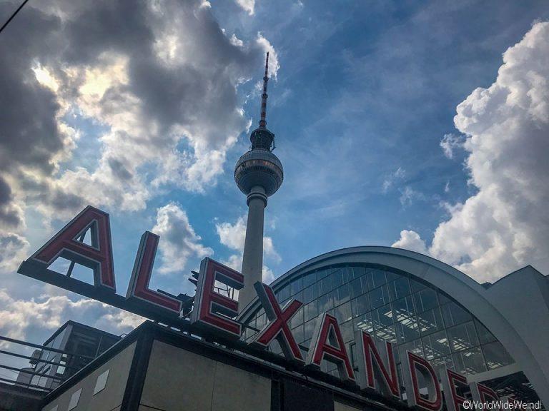Berlin 168_Fernsehturm am Alexanderplatz