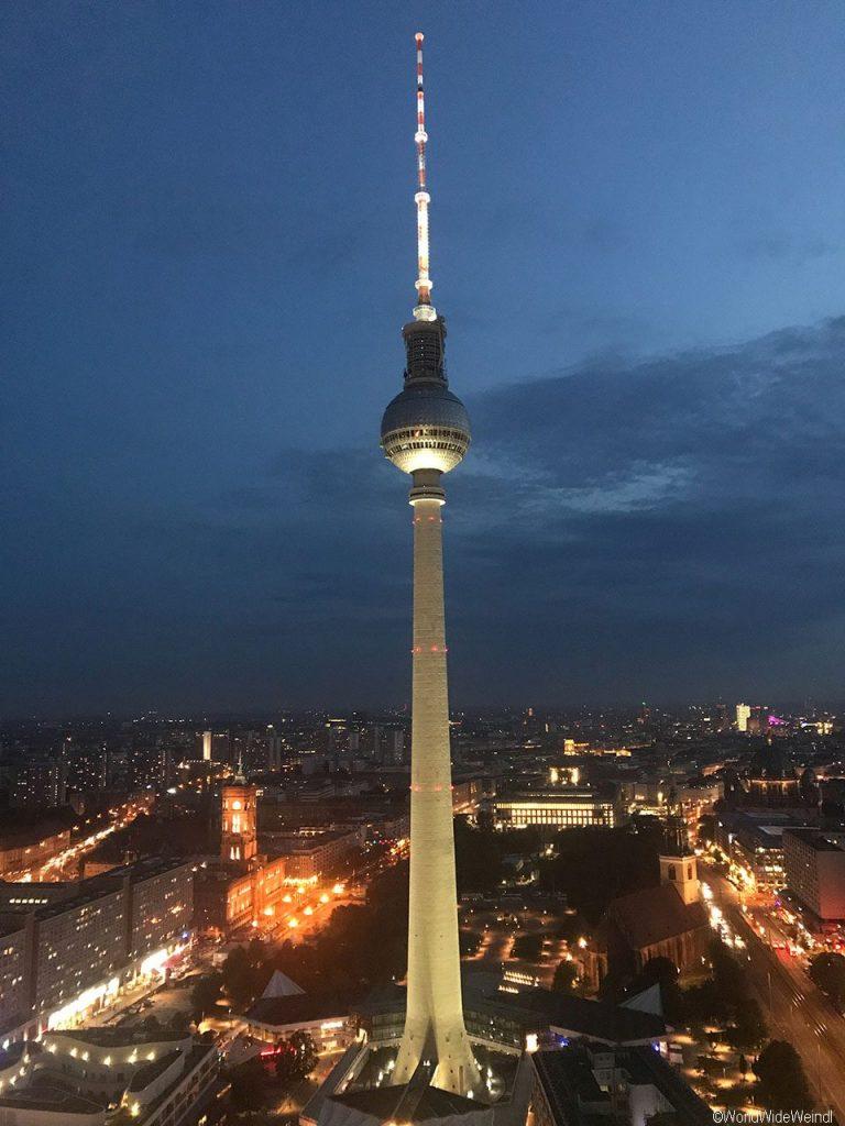 Berlin 180_Fernsehturm am Alexanderplatz