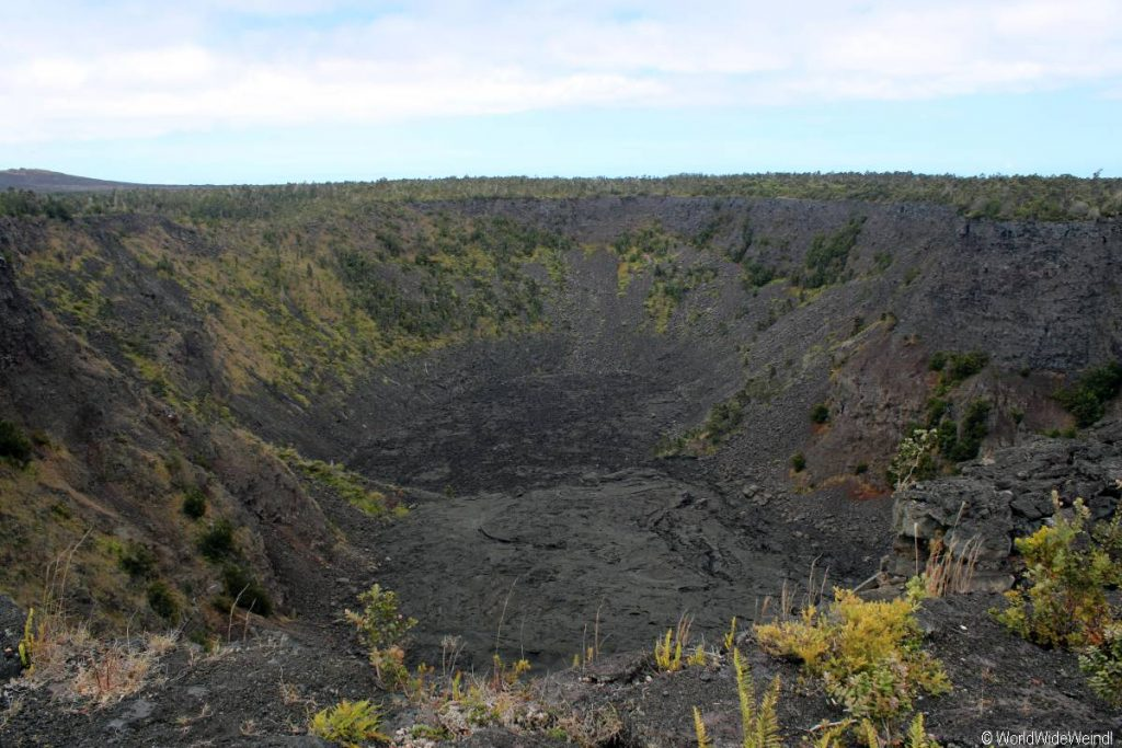 Big Island 265- Volcanos Nationalpark crater outlook
