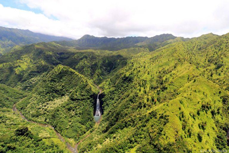 Kauai 2305- Mauna Loa Helicopter Tours