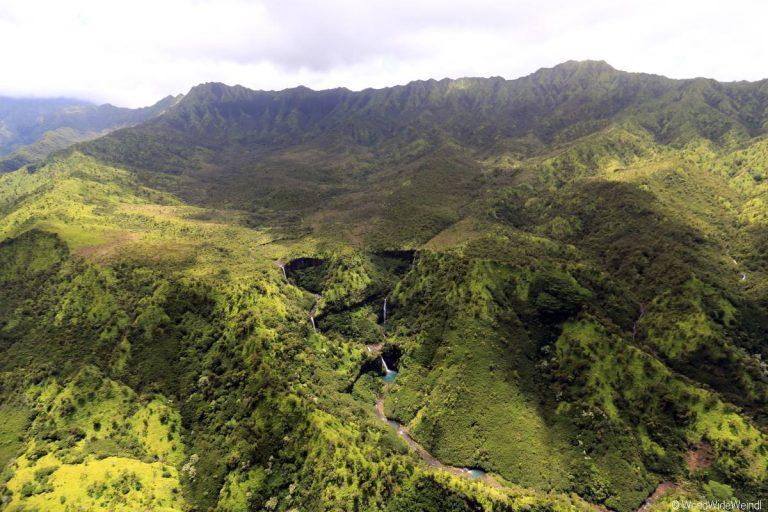 Kauai 2355- Mauna Loa Helicopter Tours