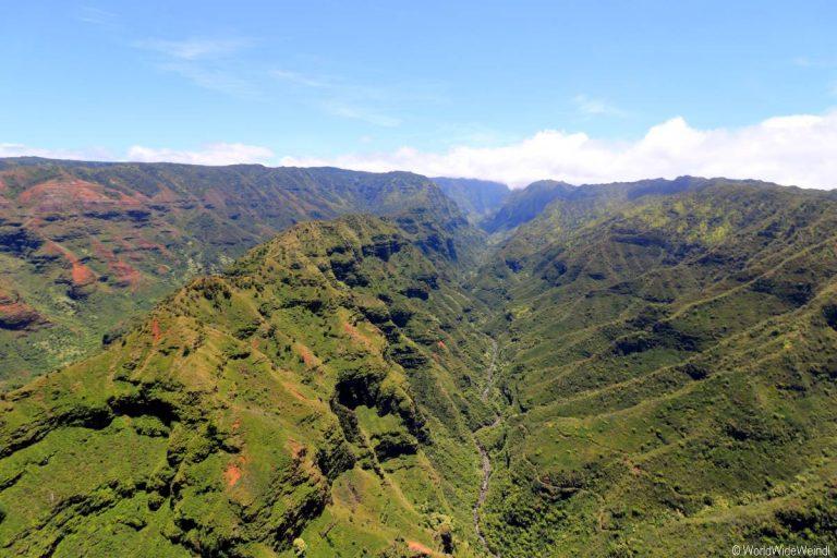 Kauai 2405- Mauna Loa Helicopter Tours