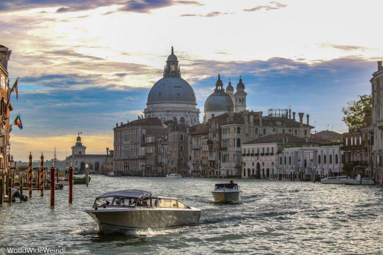 Venedig_Venezia-121b_Canale Grande_Santa Maria della Salute_