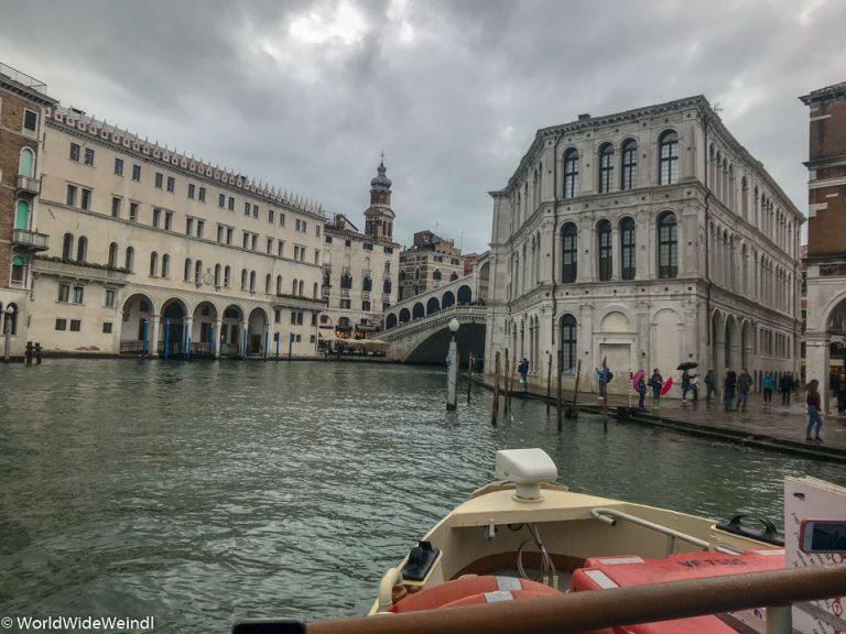 Venedig_Venezia-121e_Canale Grande bei Rialto Brücke
