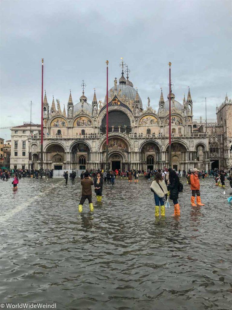 Venedig_Venezia-22_Markusplatz (La Piazza die San Marco) zu Acqua Alta