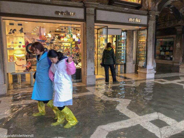 Venedig_Venezia-25_Markusplatz Shops