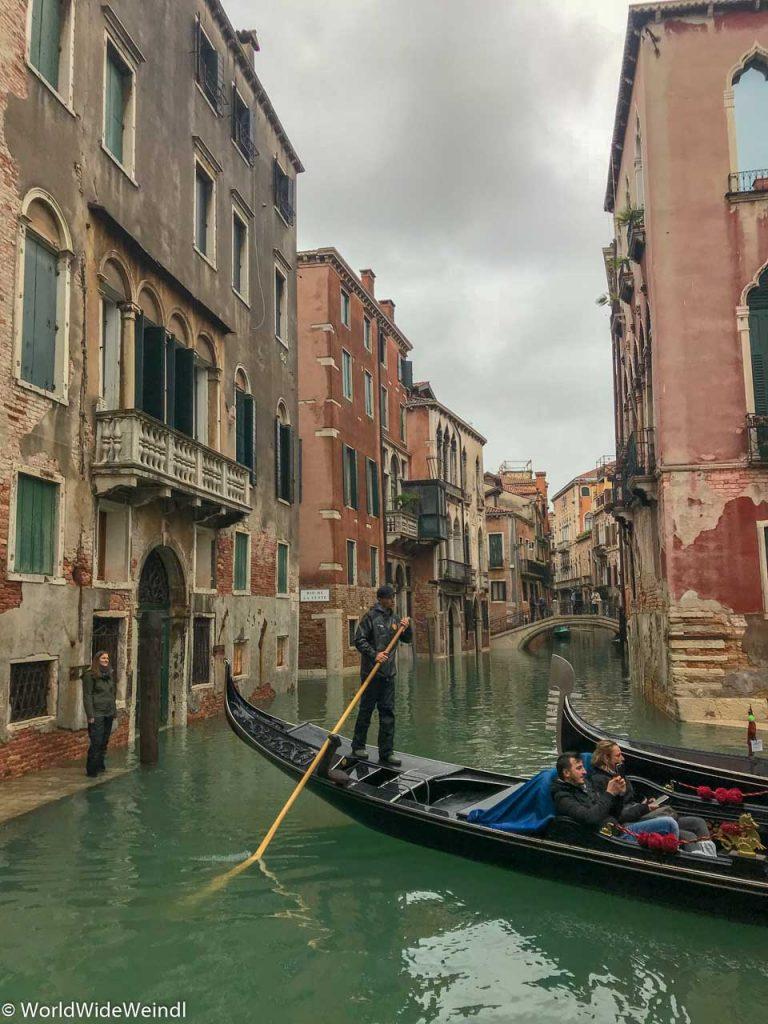 Venedig_Venezia-30_Der versteckte Steg am Hotel San Mois