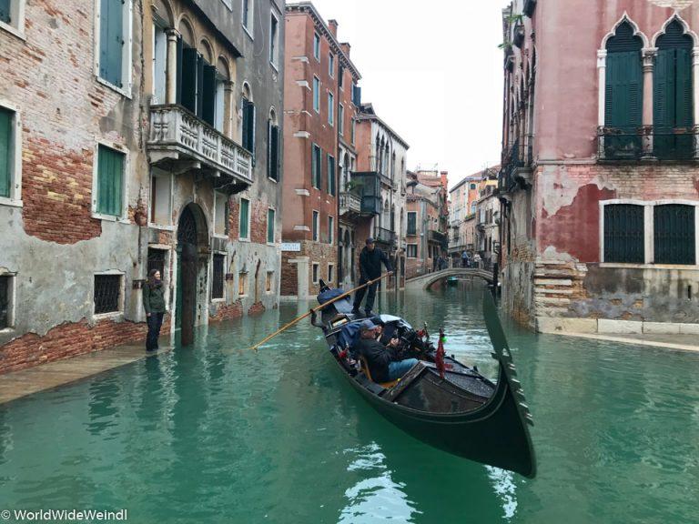 Venedig_Venezia-31_Der versteckte Steg am Hotel San Mois