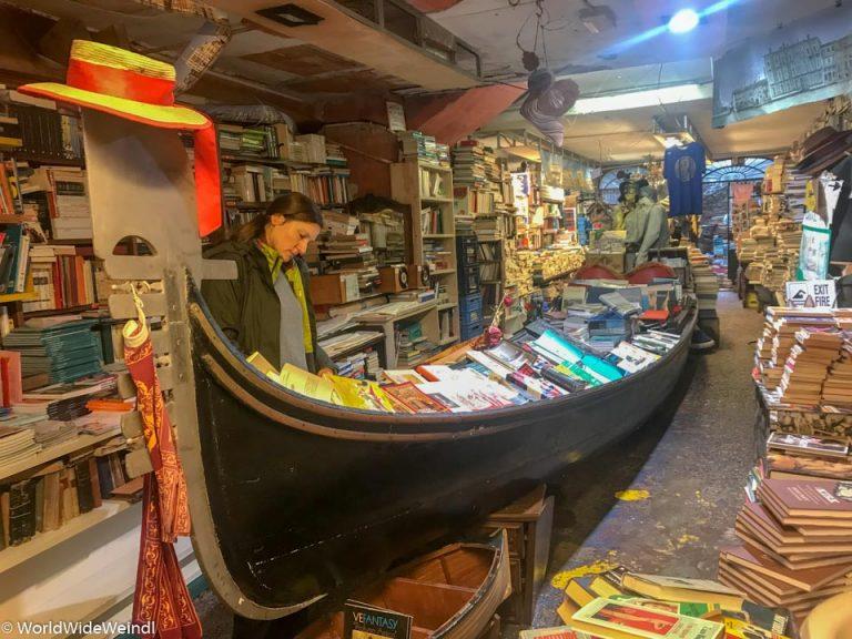 Venedig_Venezia-89_Libreria Aqua Alta