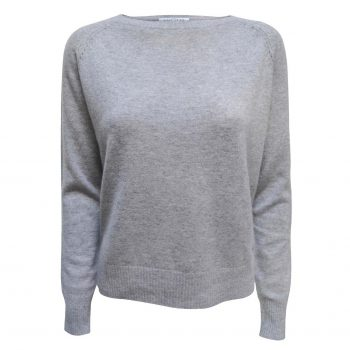 Pearl Pullover in 100% premium cashmere from danish brand Wuth Cashmere. Softest cashmere sweater with details on the shoulders in the finest light grey color.