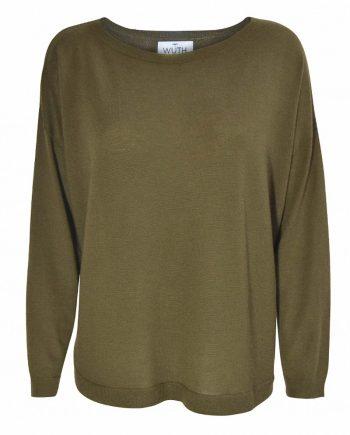 Julie pullover i en flot olivengrøn farve. Bådudskræing og oversize fit i 100% cashmere.