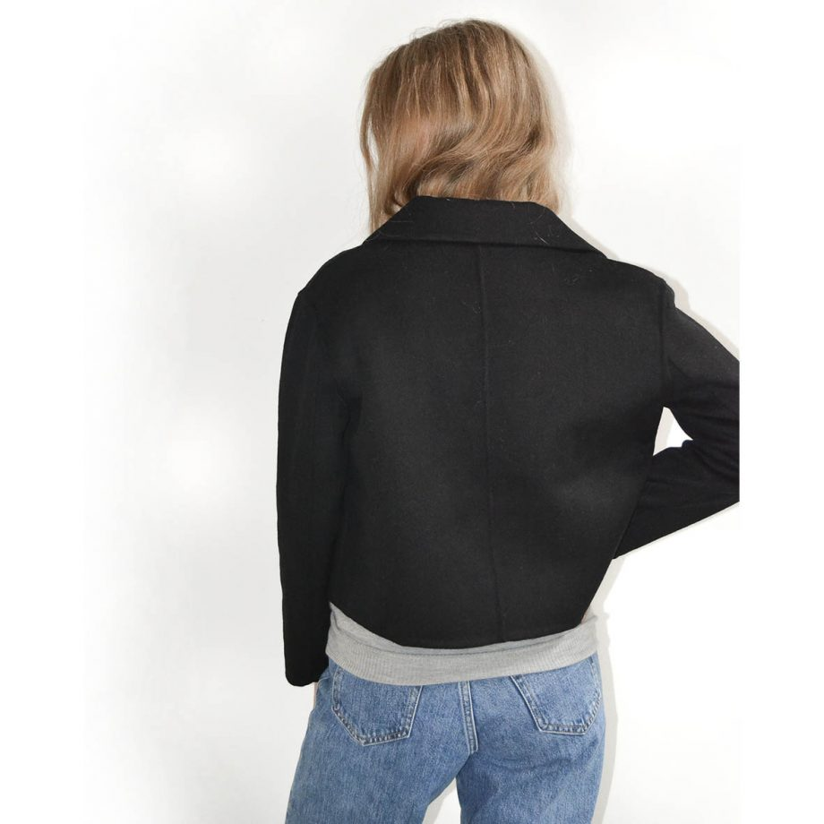 Klassisk og stylish kort jakke i premium cashmere og uld fra Wuth Copenhagen