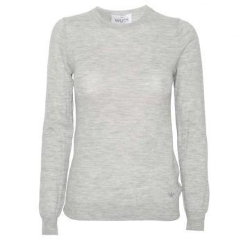Light Classic Pullover is our classic cashmere sweater for women. A slim-fit pullover with round neck and in 100% premium cashmere from Wuth Copenhagen.