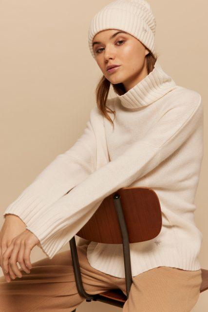 Wuth Copenhagen har eksklusive cashmere rullekraver til kvinder i 100% premium cashmere.