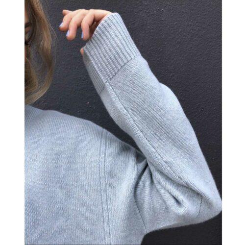 Anna Pullover med detaljer på ærmerne