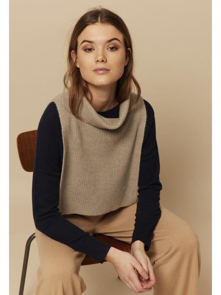 Cashmere halsedisse fra Wuth Copenhagen i 100% premium cashmere. Blødeste og dejligste neck warmer til vinter.