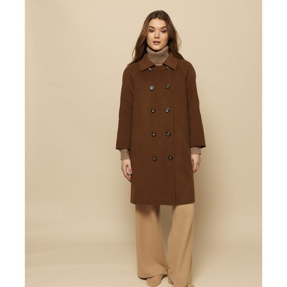 Jasmin Jakke fra Wuth Copenhagen i en uld-cashmere blanding. Vores nye AW21 kollektion til vinter.