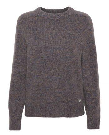 100% premium cashmere bluse, Caroline Pullover, med oversize fit og klassiske farver vinter fra Wuth Copenhagen.