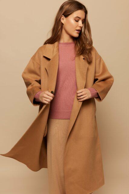 Wuth Copenhagen - Oversize coat i fden fineste cashmere og uld blanding.