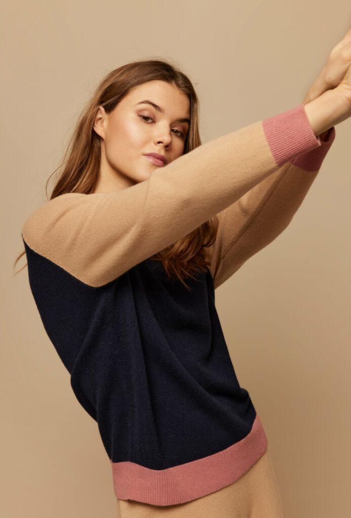 Wuth Copenhagen - Anne line pullover i 100% premium cashmere af højeste kvalitet
