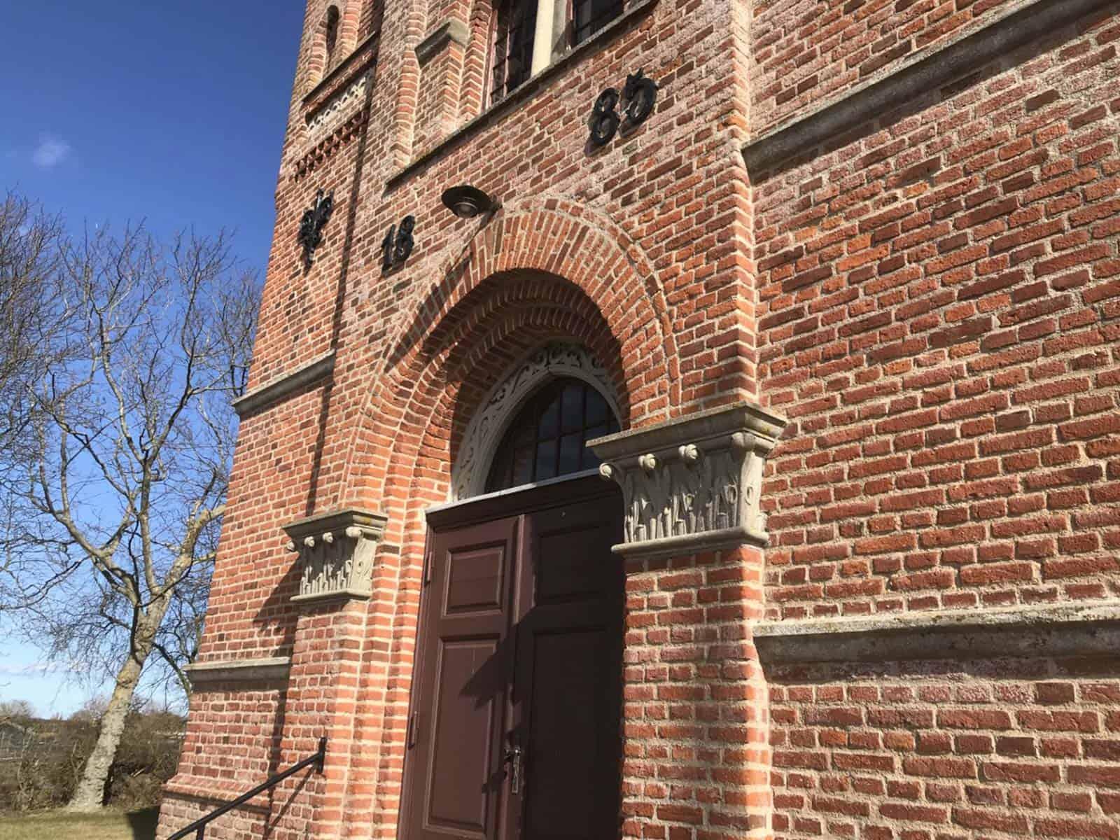 Kædeby Kirke facadeindgang