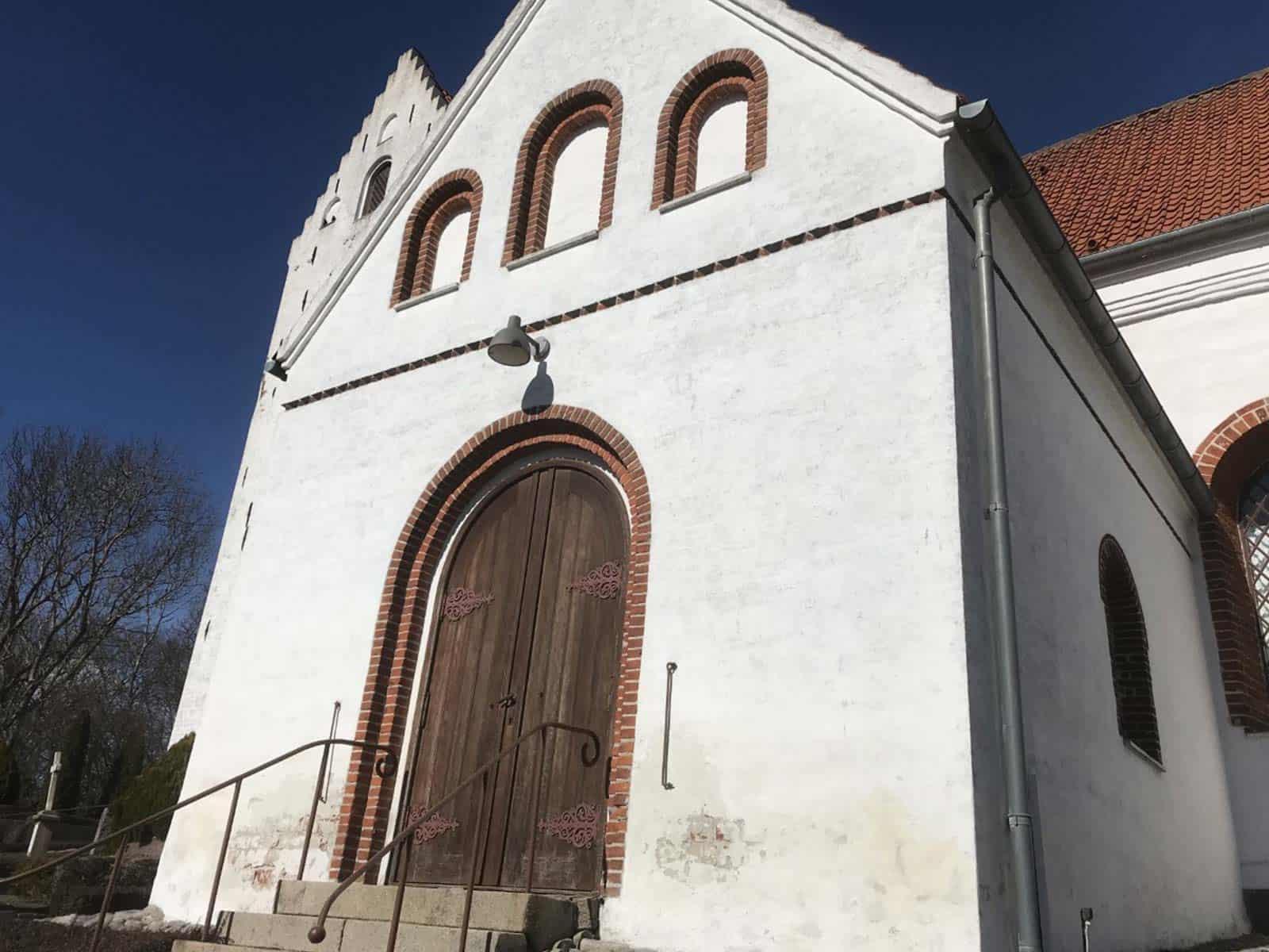 Lindelse Kirke facadeindgang