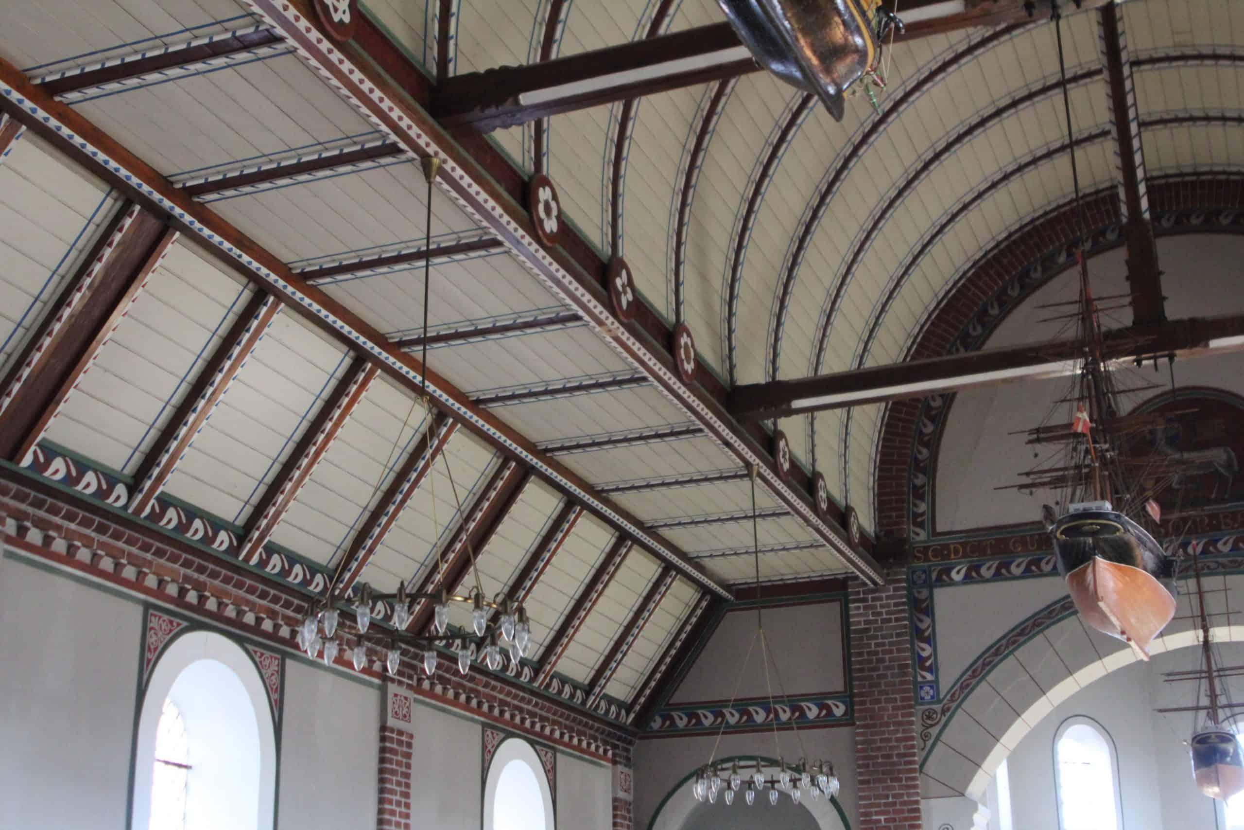 Ommel Kirke kirkeskib tagudsmygning