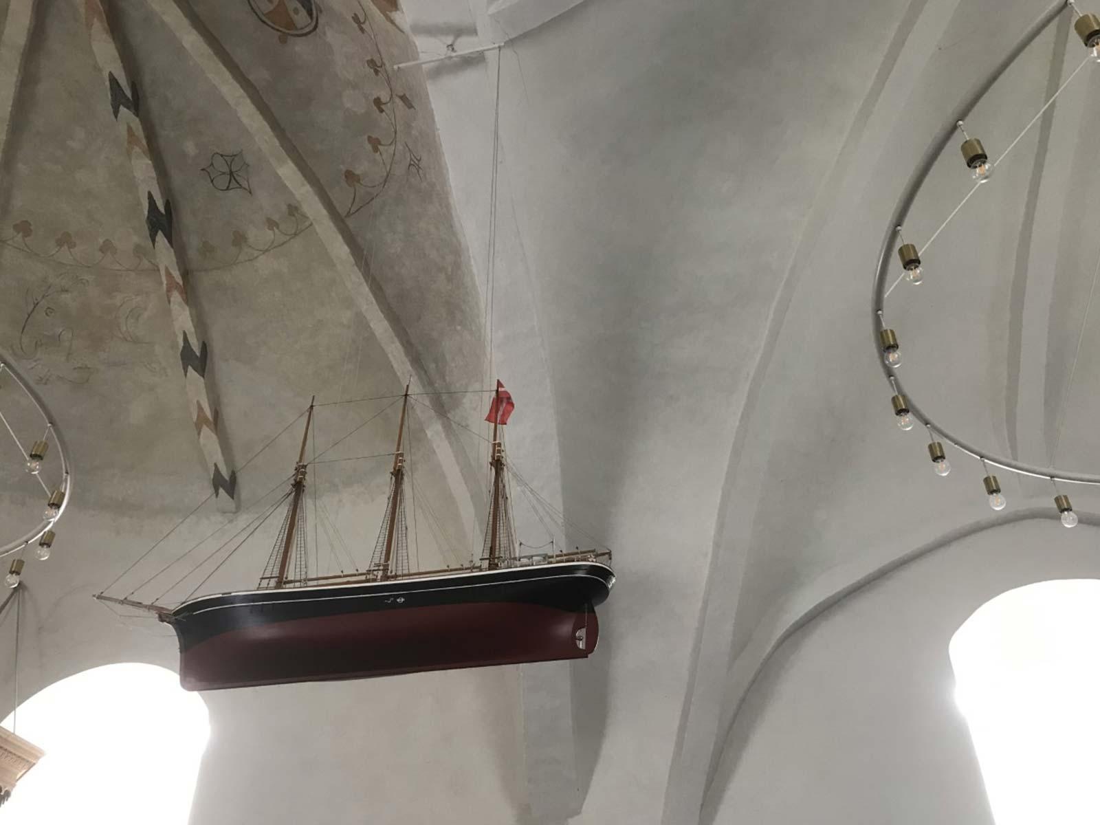 Skrøbelev Kirke kirkeskib