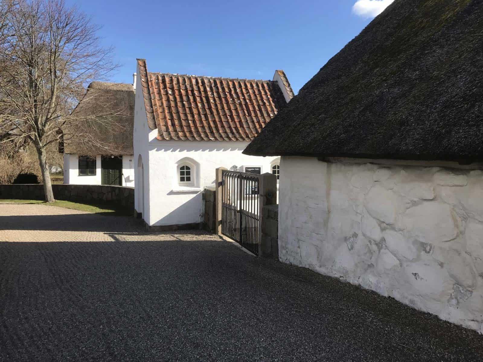 Tryggelev Kirke indgang