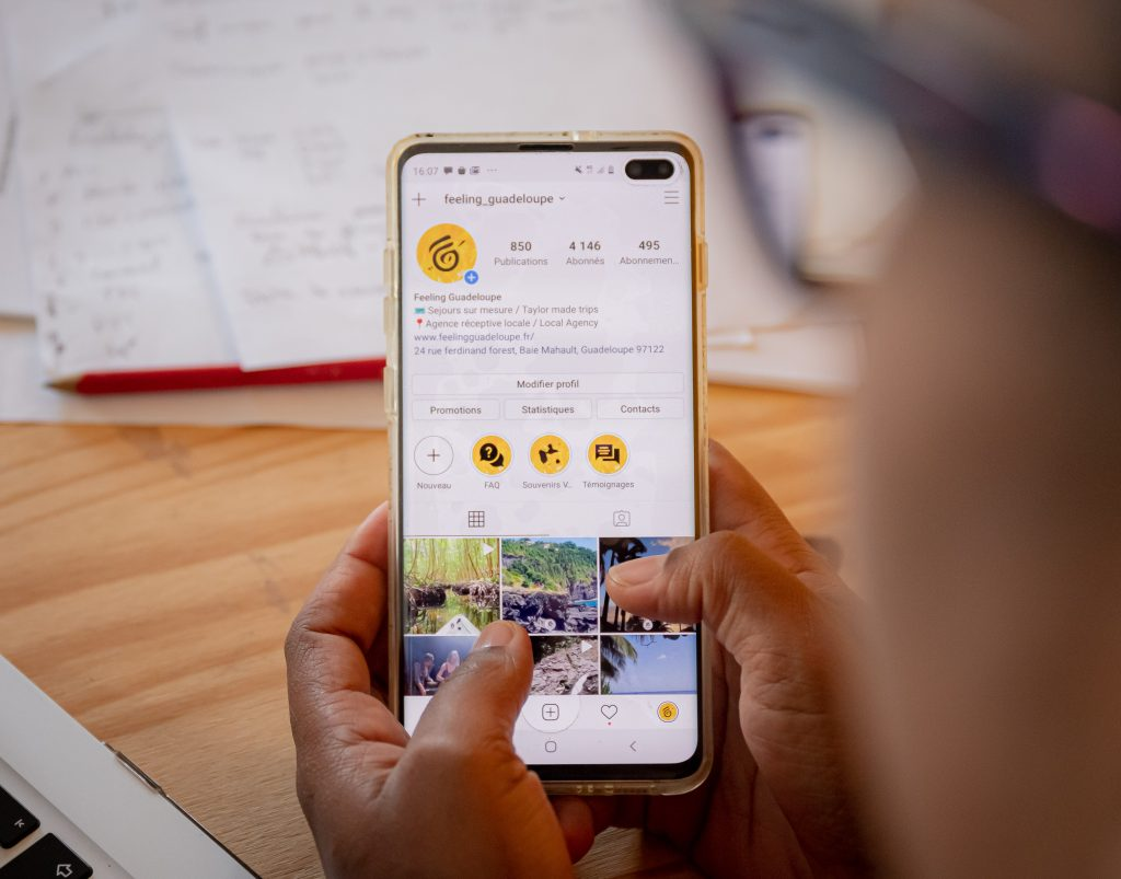 Mobile instagram communication