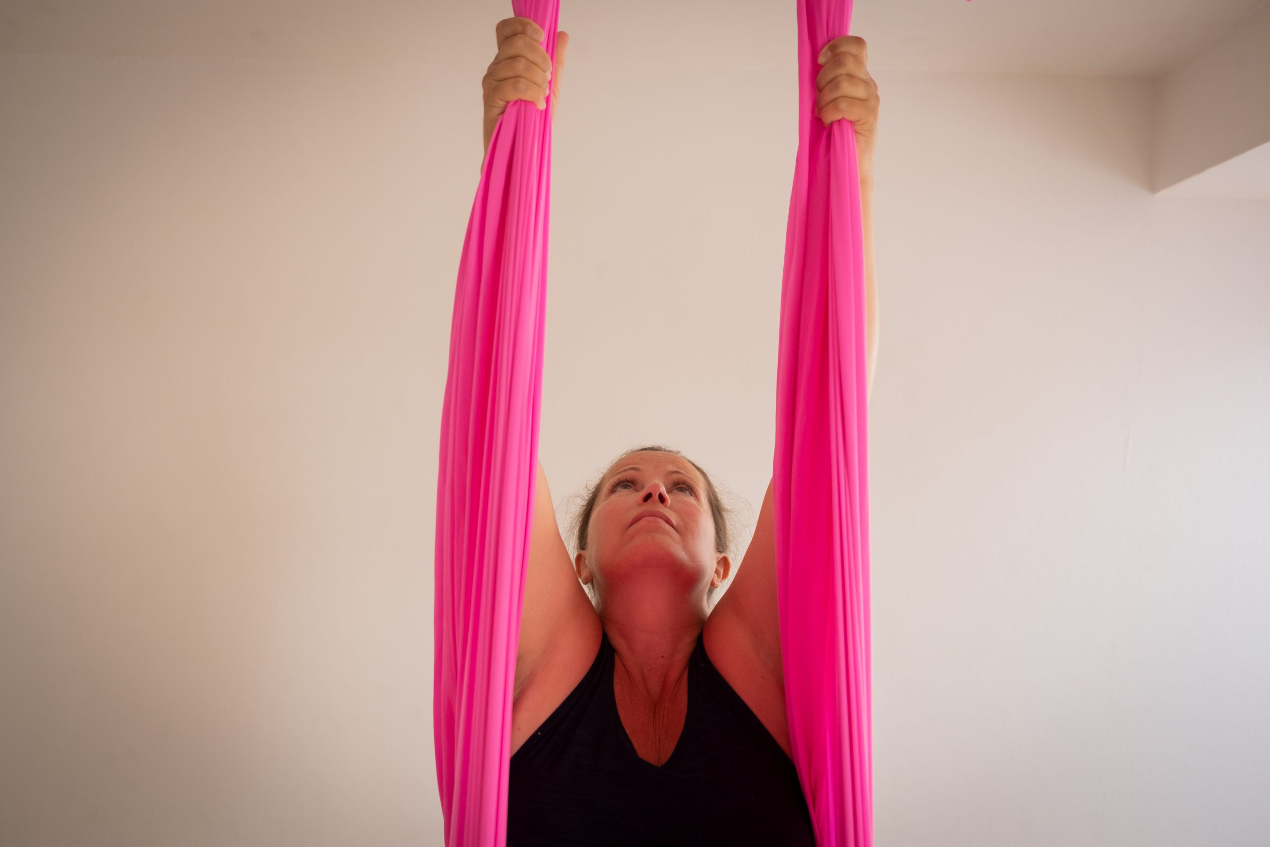 Into Aerial Yoga, minikursus med tre fordybelsesklasser, 12.-13. november