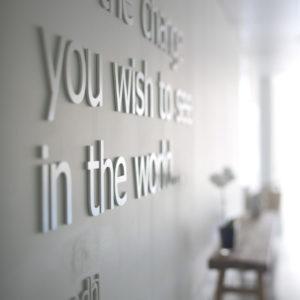 Yoga Philosophie - Zitat von Gandhi
