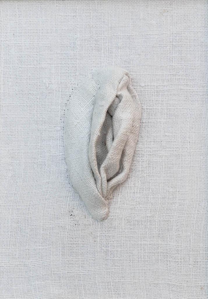 Nr. 10 Yoni Linen 12 x 17 cm, € 190,-