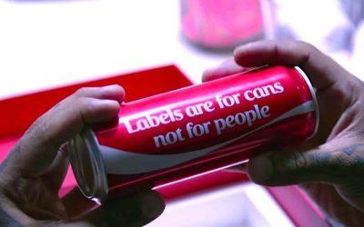 Ne pas se fier aux apparences: Coca-Cola challenge les stéréotypes