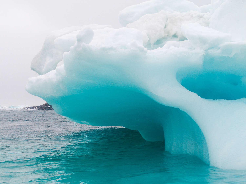 Glaciers and icebergs © virythtpehjljd89 - Fotolia