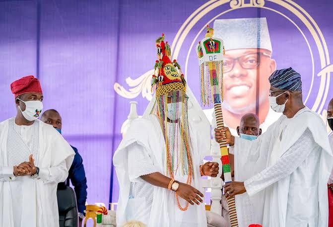 Sanwo-Olu installs Gbolahan Lawal as 15th Oniru, charges monarch on development•Keep your doors open to all, Akiolu advises new king