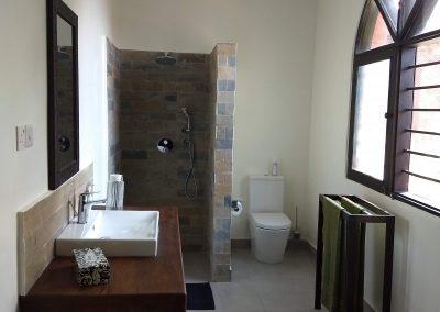 Zarafa House - Bathroom